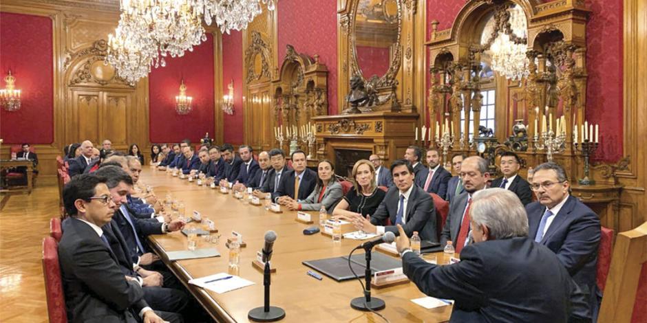 Refinancian deuda 23 bancos para fortalecer a Pemex