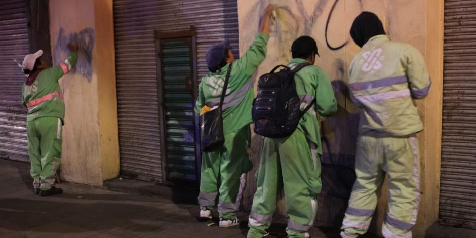 Reparan y limpian inmuebles tras disturbios de encapuchados