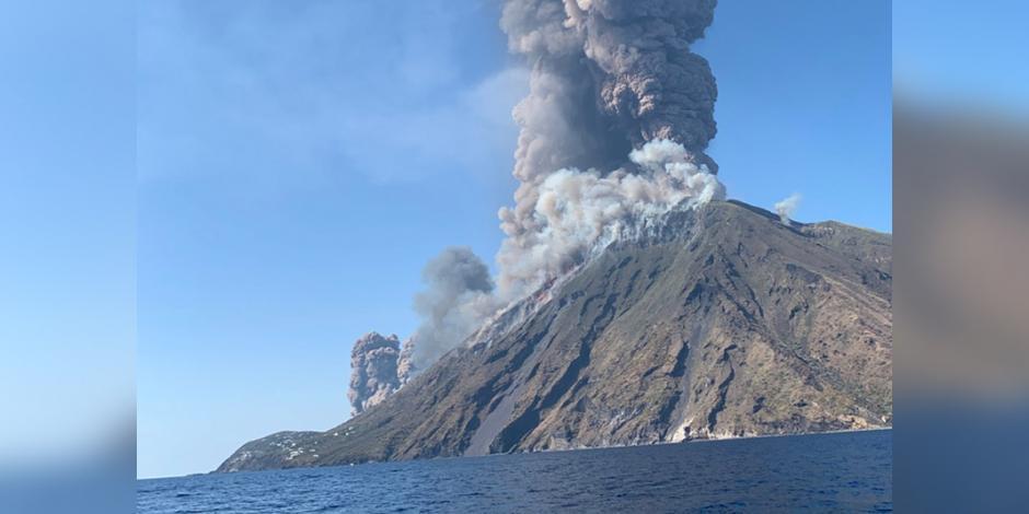 Stromboli-violentes-explosions-du-cratère-du-volcan