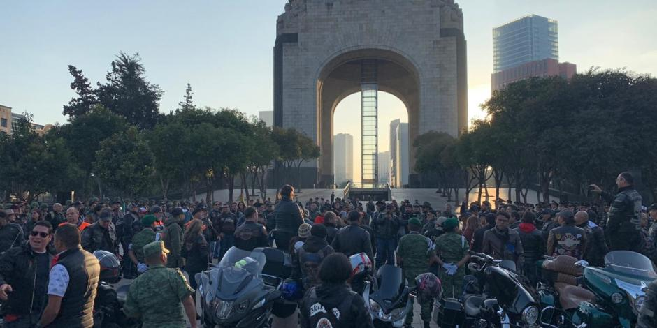 Con recorrido en motocicleta, inician festejos por la Revolución mexicana
