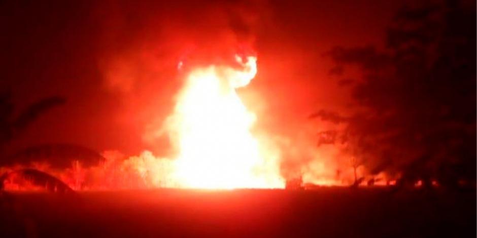 Reportan explosión en ducto en poblado de Tabasco