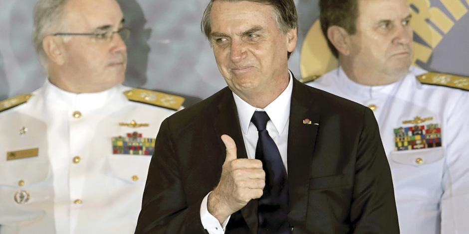 Como Trump, Bolsonaro cierra Brasil a inmigrantes