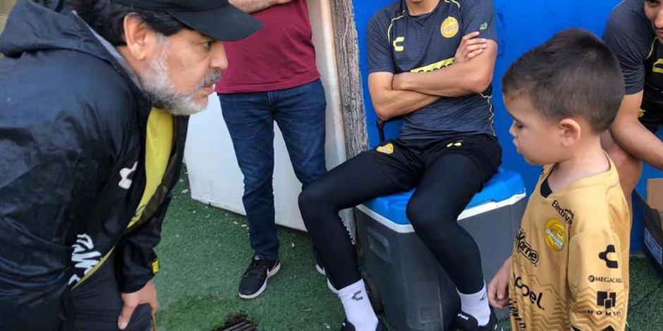 Tadeo quiere que Maradona le enseñe a jugar para ir al Tricolor