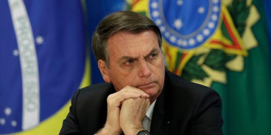 Bolsonaro lamenta tiroteos, pero defiende uso de armas en Brasil