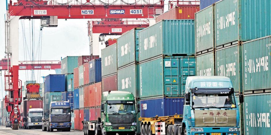EU amaga a China con arancel de 300 mmdd