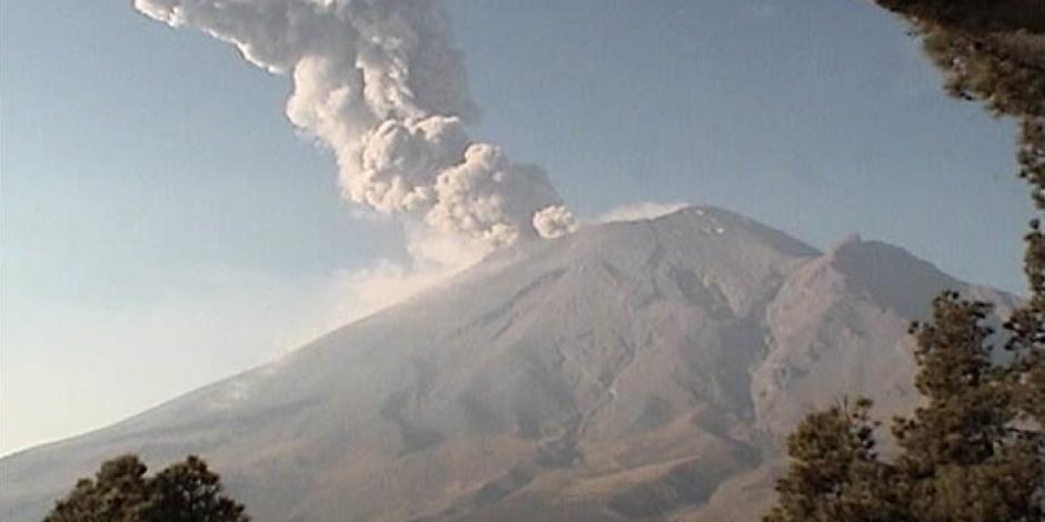Popocatépetl registra explosión; autoridades atentas si afecta a la contaminación