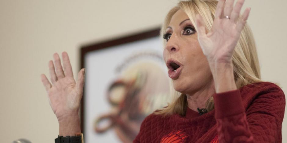 Laura Bozzo tacha de ignorantes a quienes criticaron su Honoris Causa