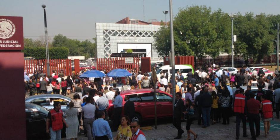 VIDEOS y FOTOS: Reportan amenaza de bomba en edificio del Poder Judicial en San Lázaro