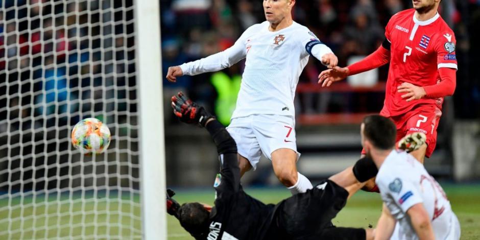 Cristiano Ronaldo anota gol 99 con Portugal, que clasifica a la Euro 2020