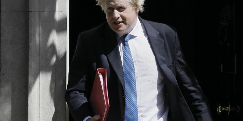 Por radicalizar Brexit, UE tunde a Johnson