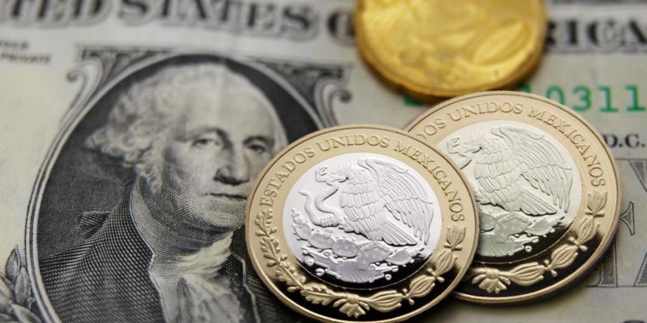 Peso opera a la baja, en espera del recorte de la tasa de interés