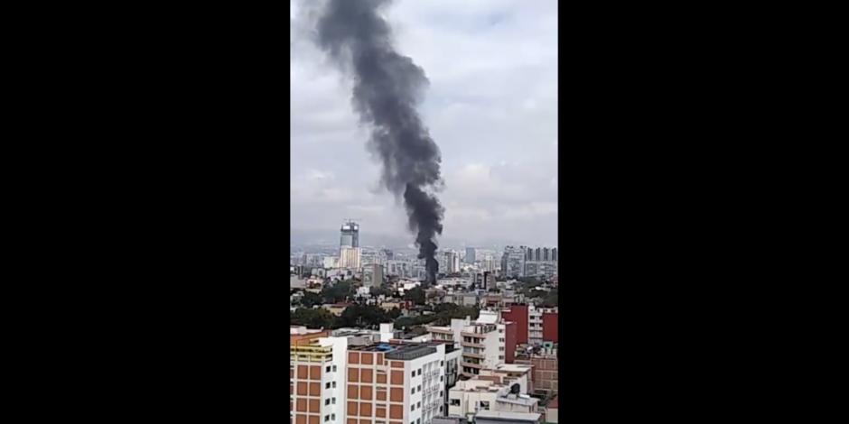Bomberos atienden incendio en fábrica de la Portales