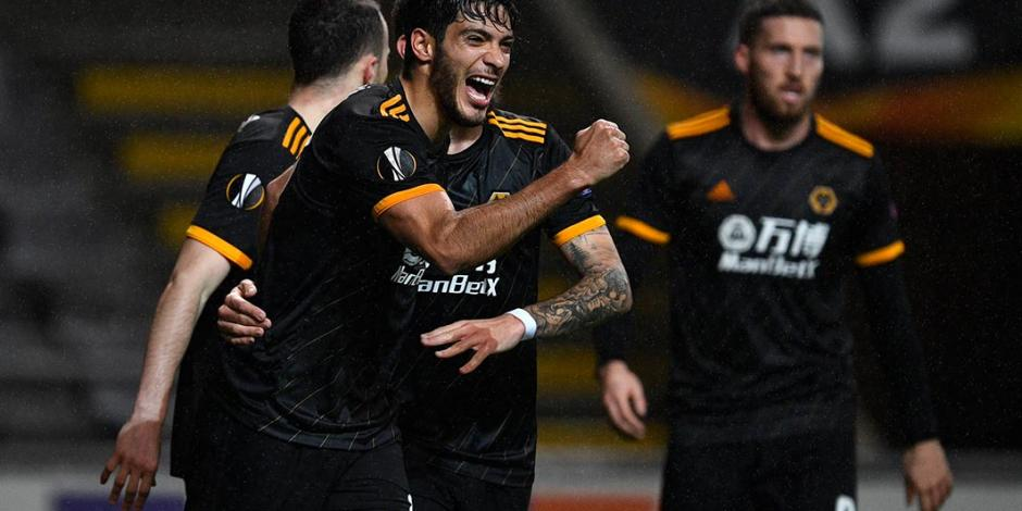 Raúl Jiménez, al top 10 de goleadores de Wolves