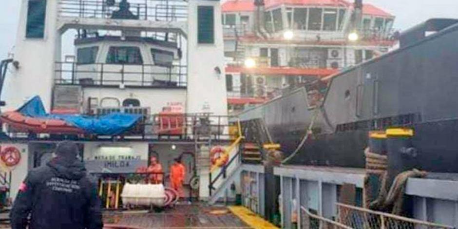AMLO confirma que se aseguraron 2 buques con posible combustible robado