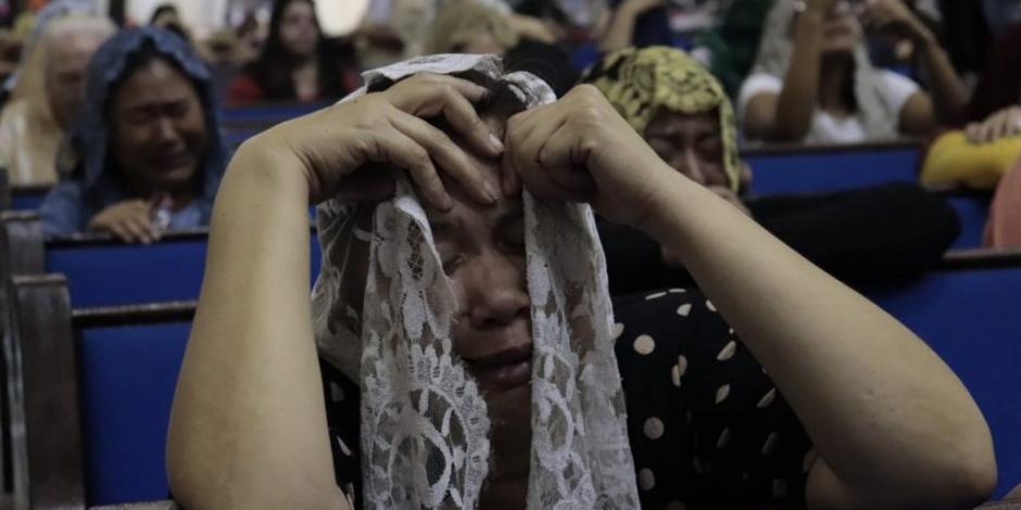 Fieles lloran detención de Naasón Joaquín, líder de La Luz del Mundo
