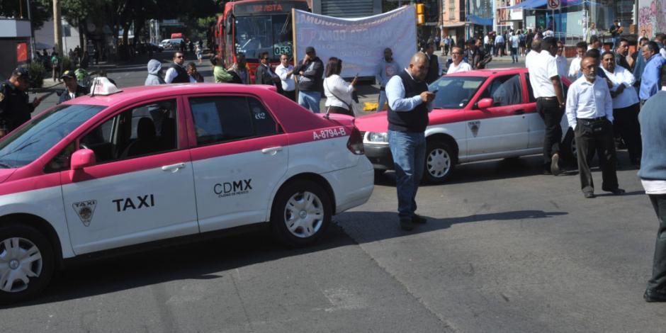 Prevén taxistas cierre de principales avenidas en CDMX próximo lunes