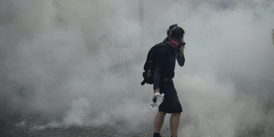 Hong Kong vive horas de violencia y luto por muerte de estudiante