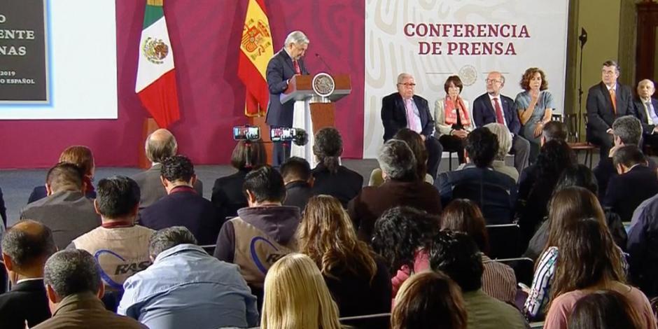 López Obrador conmemora 80 años del exilio español a México