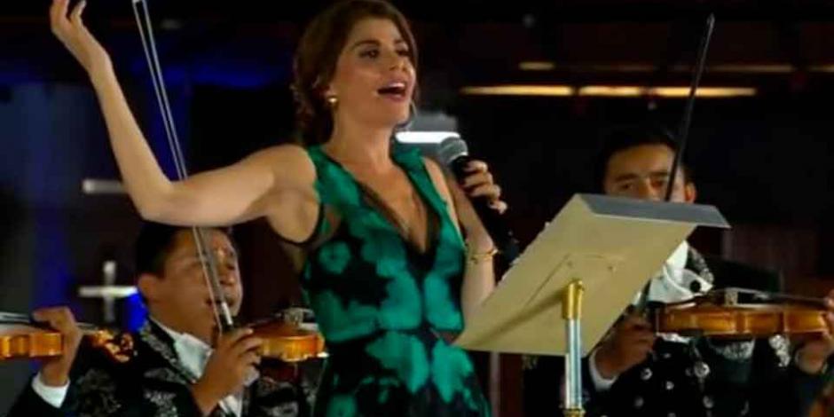 Itatí Cantoral cantó