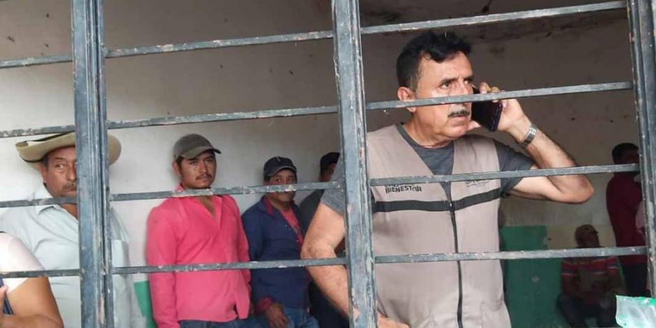Campesinos retienen a Andrés Nieto Cuevas, delegado regional en Tierra Caliente