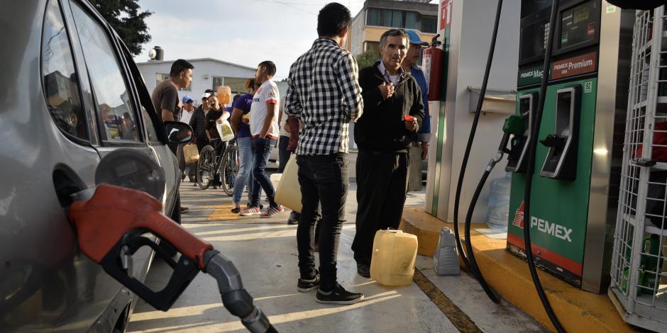Gasolineros de Michoacán piden comprar combustible directo en refinerías