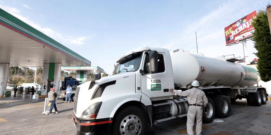 Pipas de Canacar ayudan a regular servicio en 6 estados