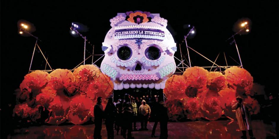 Lo prehispánico y colonial se unen en Mega Desfile