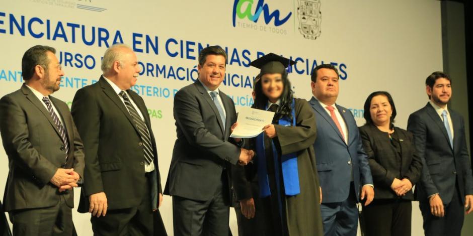 Universidad de Seguridad y Justicia gradúa a nuevos licenciados en Ciencias Policiales