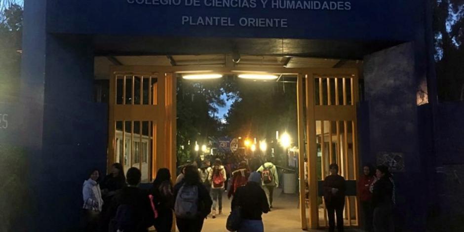 Va Sheinbaum por mayor seguridad en 53 planteles de UNAM e IPN
