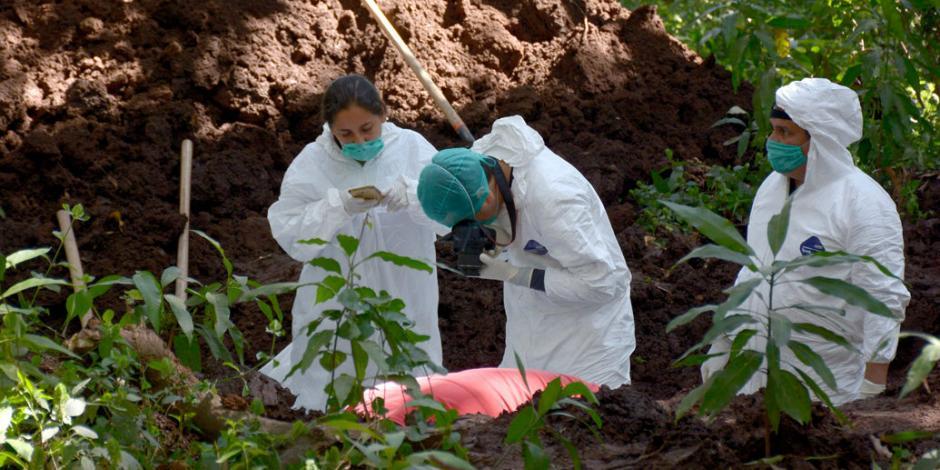 Hallan cuatro mil 874 cuerpos en tres mil fosas clandestinas en México