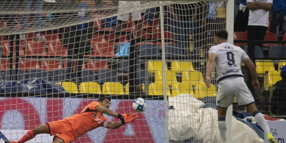 Jesús Corona salva a Cruz Azul, que empata 1-1 ante Puebla