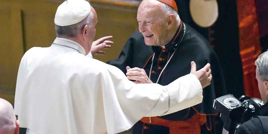 Excardenal acusado de pederastia sobornó a Juan Pablo II y a Benedicto XVI