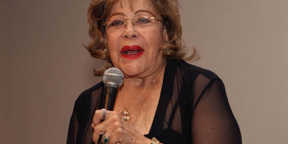 Hospitalizan a Silvia Pinal por problemas respiratorios