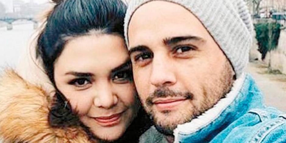 ¿Yuridia se casó? Fotos levantan sospechas de su posible boda