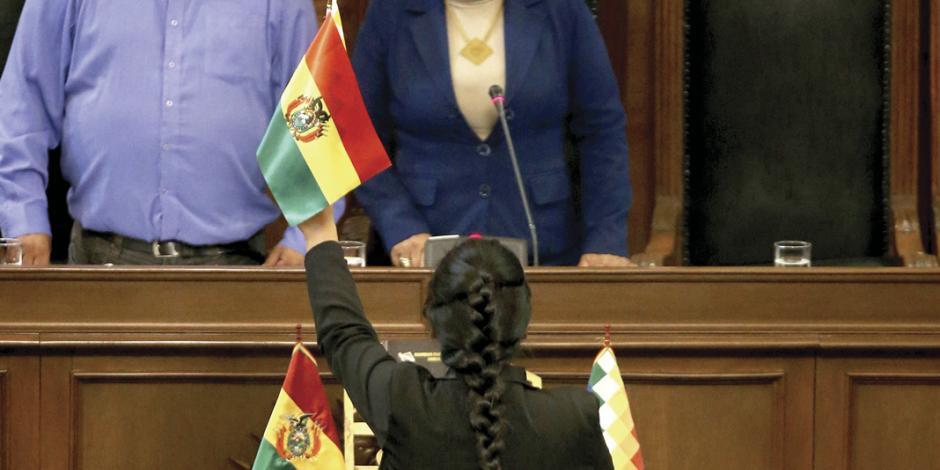 Partido de Evo legitima a presidenta interina para ir a elecciones