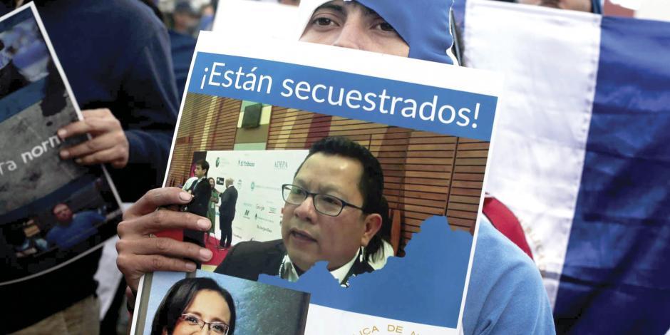 Como Maduro, Ortega bloquea los insumos a periódicos críticos