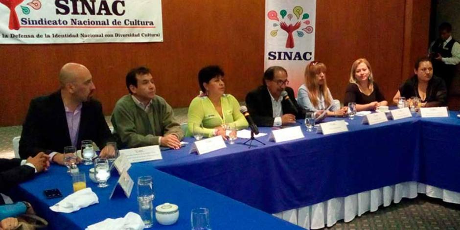 """Trabajadores de Cultura piden no """"sabotear"""" negociaciones para lograr incremento laboral"""