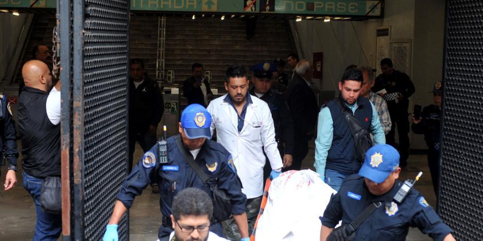 Muere policía al ser arrojado a las vías del Metro Bondojito
