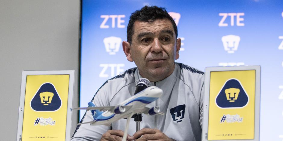 Pumas de la UNAM despide a técnico David Patiño