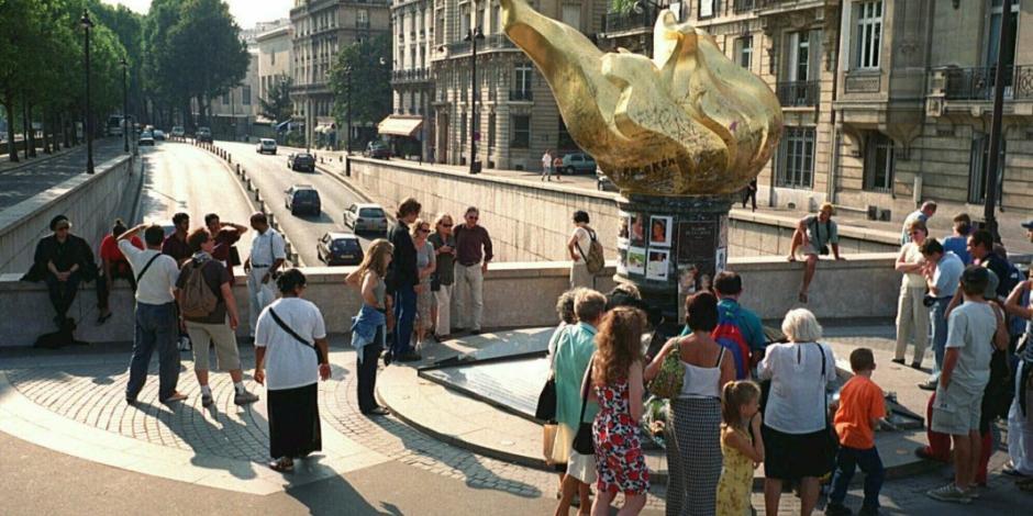 """París quiere """"Plaza Princesa Diana"""" en sitio de su muerte"""