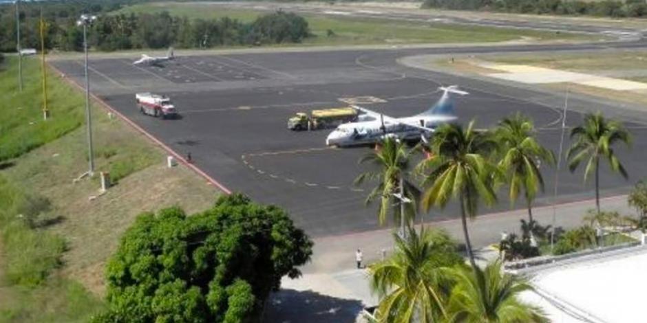 Aseguran en Costa Rica avioneta procedente de Oaxaca con dólares ocultos