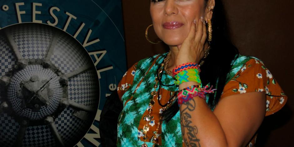 "Lila Downs abre puertas de Oaxaca con documental ""Al son del chile frito"""