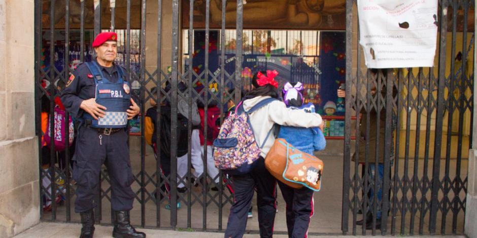 Gobierno federal dará 100 mil pesos a cada escuela para infraestructura