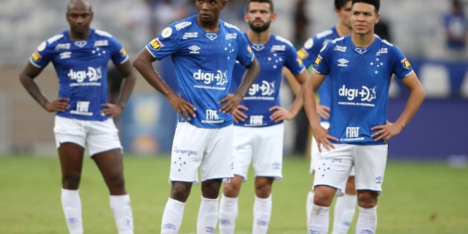 Cruzeiro desciende por primera vez en su historia y le dedican canción