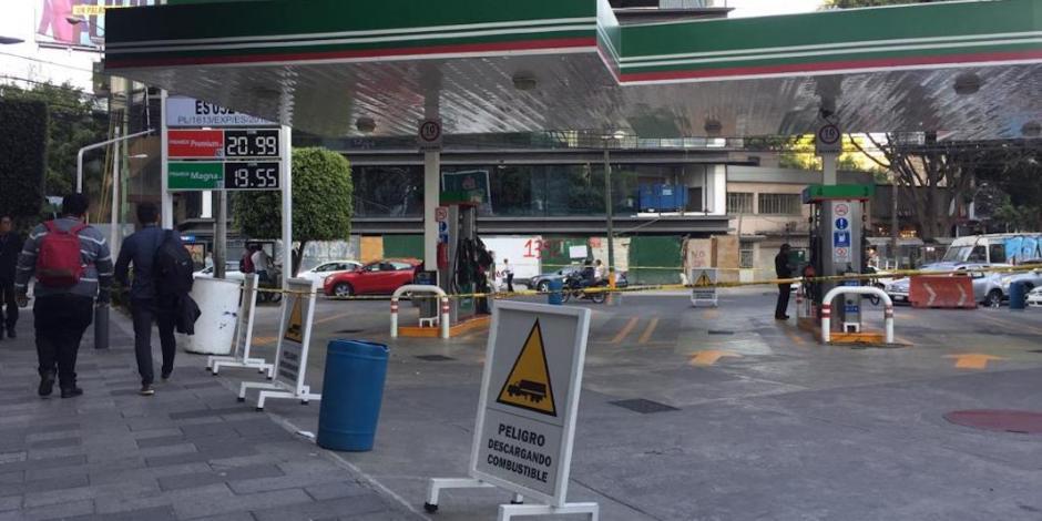Continúan cierres de gasolineras en CDMX por desabasto de combustibles