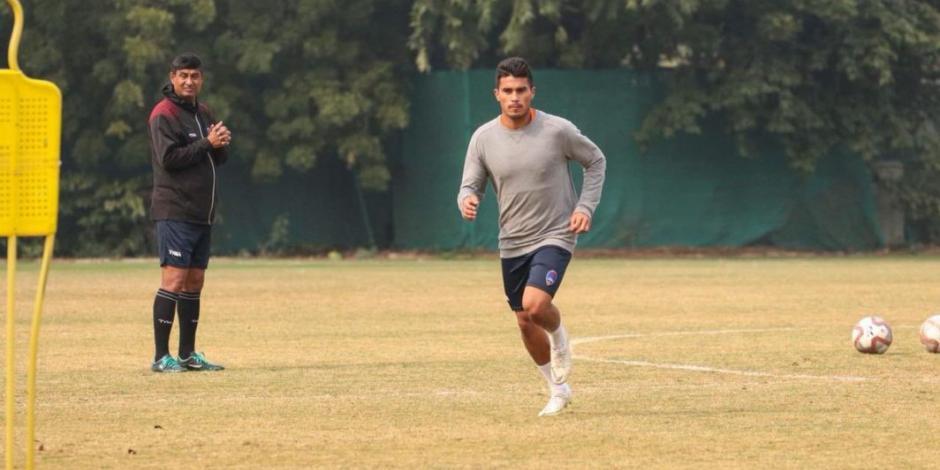 Ulises Dávila entrena con Chivas de cara al Apertura 2019