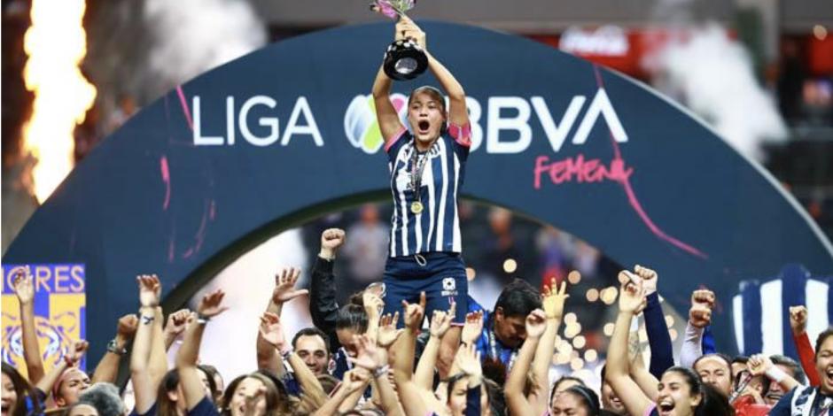 Cervecera propone pagar sueldo a jugadoras Rayadas tras coronarse