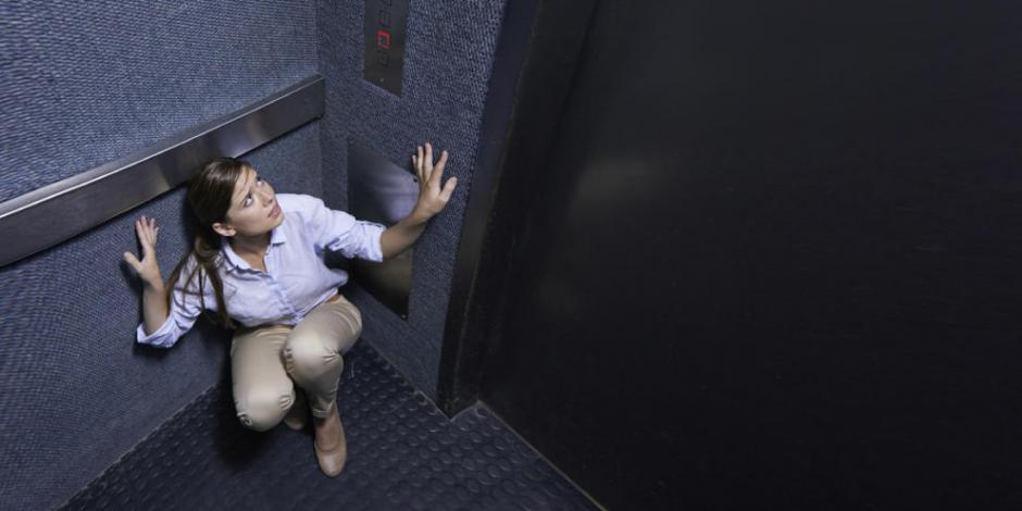 Empleada queda encerrada 3 días en elevador; nadie se dio cuenta