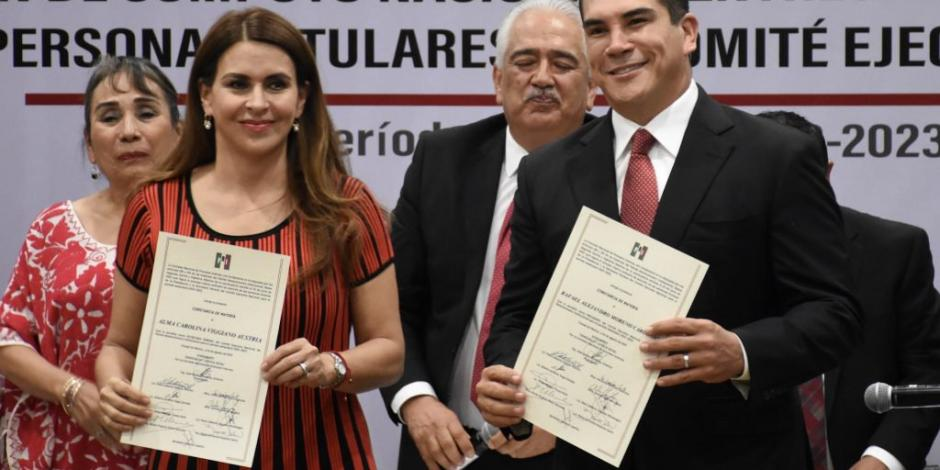 Recibe Alejandro Moreno constancia como presidente del PRI