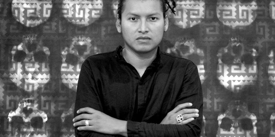 Sabino Guiso forja su obra con Fuego Negro